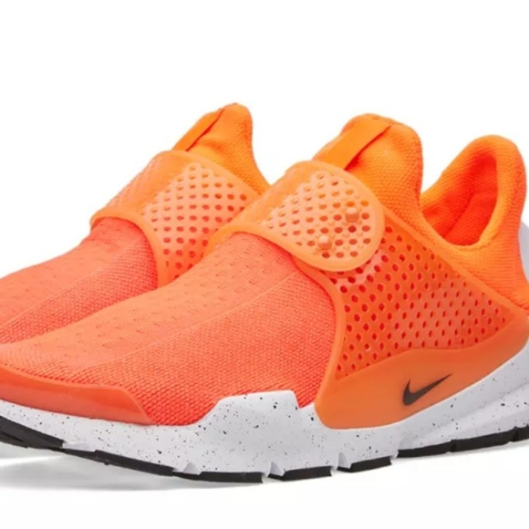 596b0c82c9f2dd Nike Sock Dart SE
